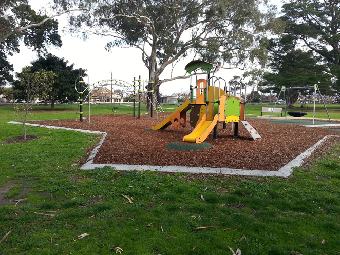 Geelong playground, Mama geelong