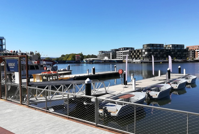 goboat, canberra, fathers day, 2018, boat hire, things to do, families, boats, electric boats, lake burley griffin boat hire, 2018,s eptember, 2nd september 2018, whats on,