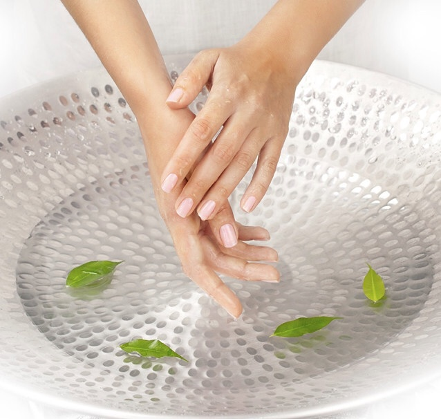 Hydrating Hand Spa