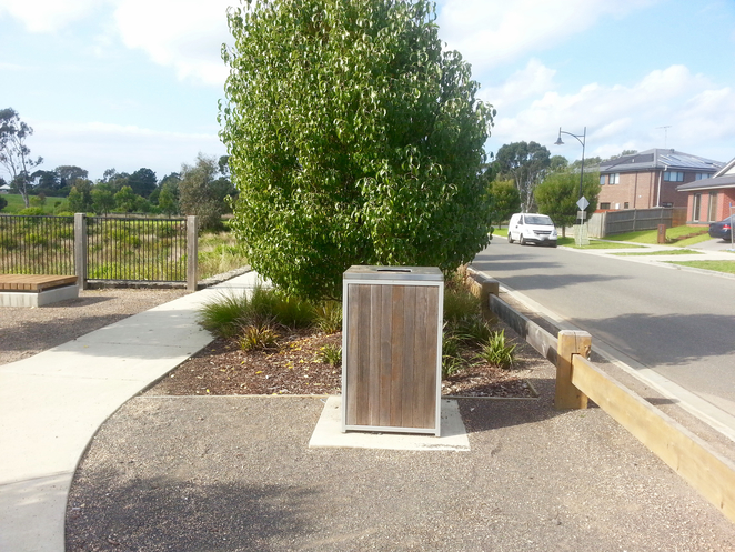 Percy Cherry Park, Curlewis, Bellarine, Clifton Springs, rubbish bin, litter, waste bin,