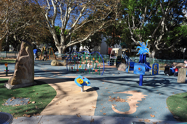 Rushcutters Bay Playground, Fenced Playgrounds