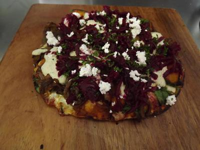 The spiced lamb gourmet pizza.