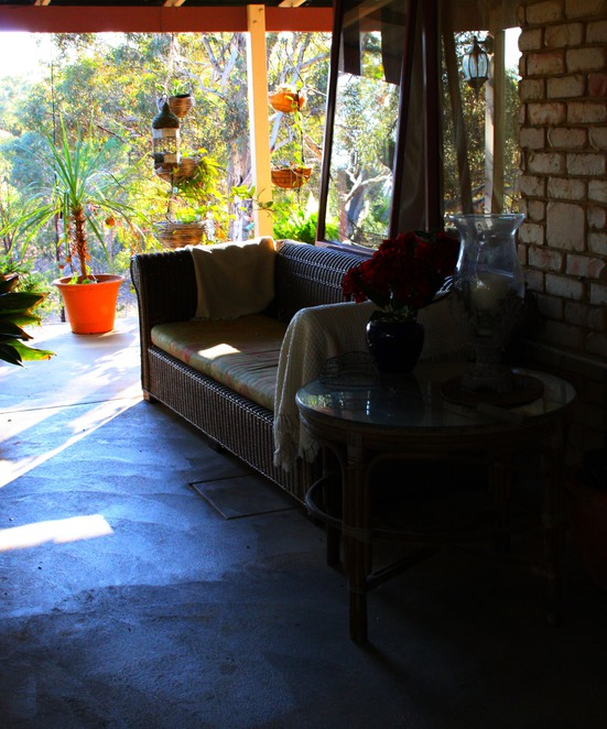 black wattle, toodyay, bed and breakfast, accommodation, luxury, spa, art