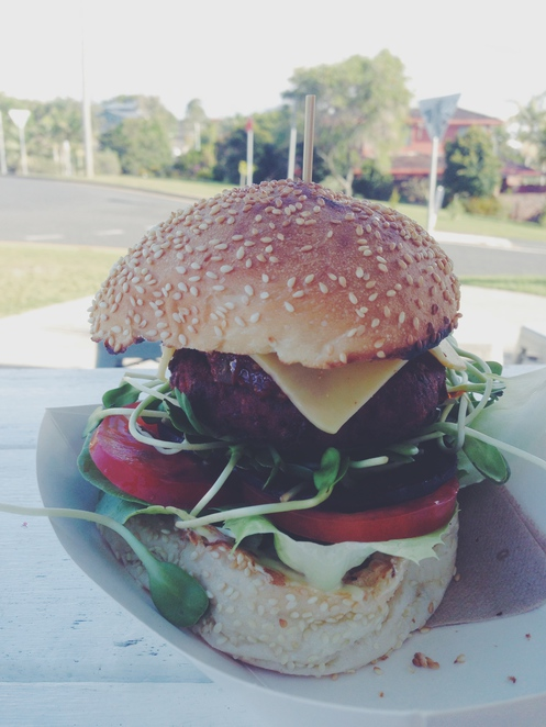 burger, top shop, byron bay, food, restaurants, travel, veggie burger