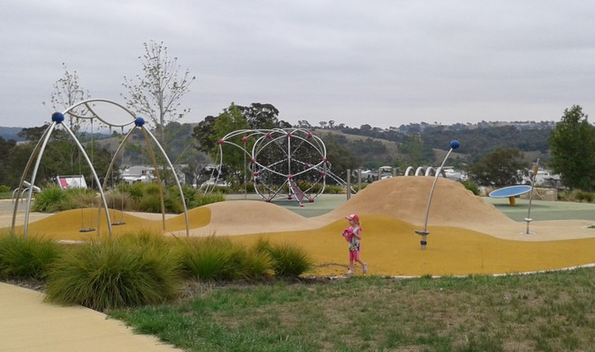 crace hilltop reserve, crace, gungahlin, best playgrounds, parks, playgrounds, ACT,