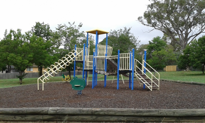 fisher playground, weston park playgrounds, best, canberra, capel street, canberra, ACT, parks, playgrounds,