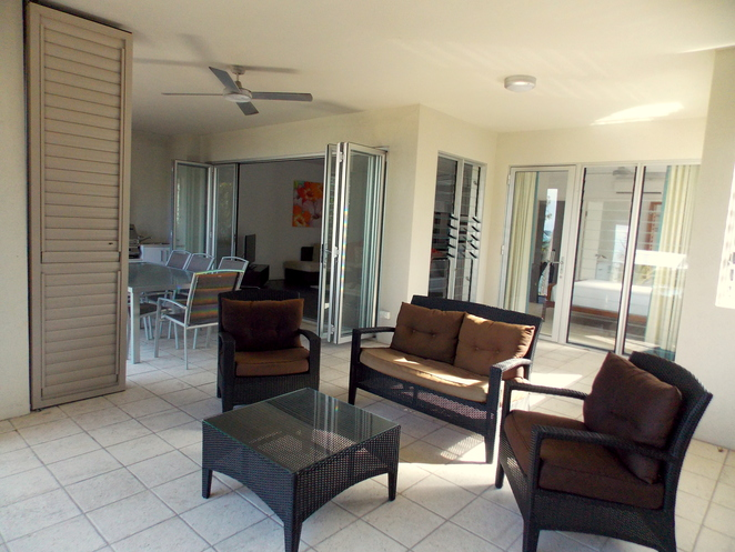 luxury palm cove accommodation