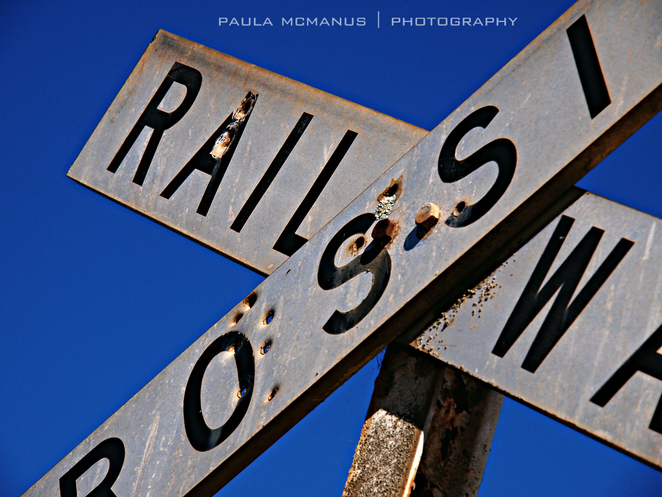 Railway crossing (©paula mcmanus)
