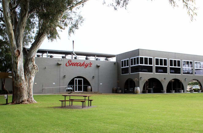 sneakys angle vale restaurant winery