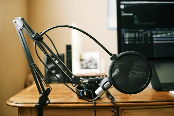 audio recording, narrator, audio book, podcast, microphone, audacity, garageband, record and edit audio