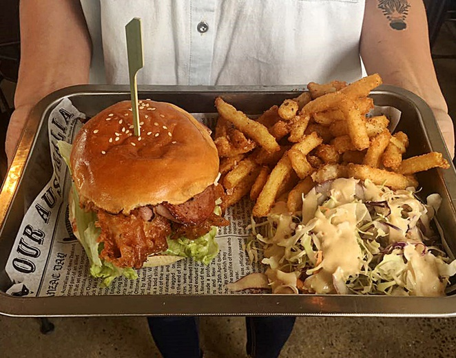 beef and barley, canberra, burgers, kingston foreshore, ACT, lunch, dinner, kingston, best burgers,