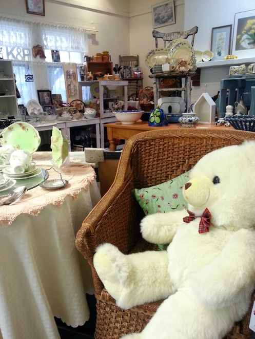 Blackwood Red Cross, Red Cross Store, Blackwood, Clothing, second hand, pre-loved, giftware, books, furniture, games, jewellery