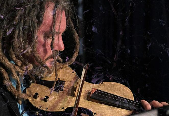 Cosmology by Electric Violinist Rupert Guenther