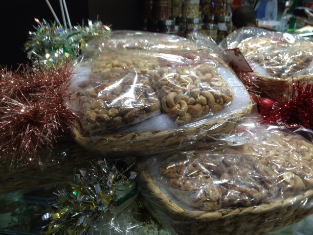 gourmet nuts, snacks, healthy, shopping, presents,dried fruit, natural snacks,