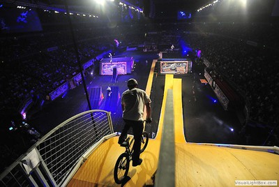Kids, don't try this at home/Image from nitrocircuslive.com