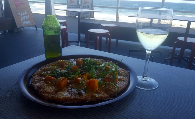 Pizza, views, waterfront, casual, relaxed
