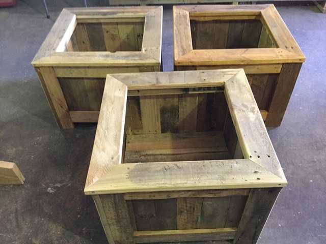 planters,made,by,mens,shed