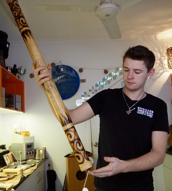 rain-stick, drum, piano, guitar, ukulele, retro, collectables, music, recording, rehearsal, old wares, secondhand, second-hand, used, new, instruments, vintage, retro clothing, Murwillumbah,