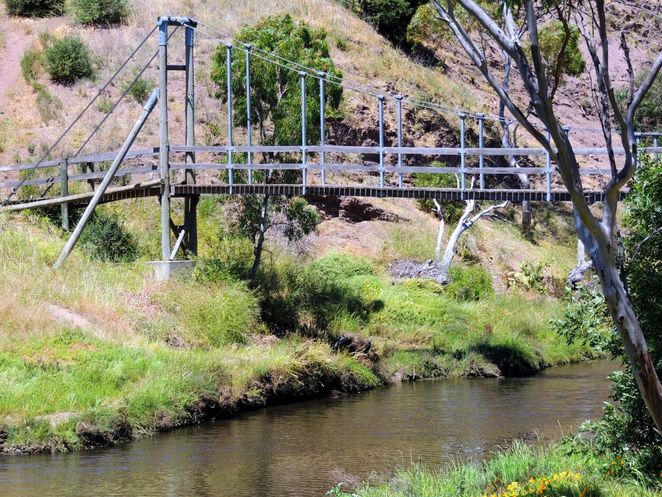 things to do in adelaide, what to do in adelaide, school holidays, kids, children, shopping, markets, free, swing bridge, onkaparinga national park