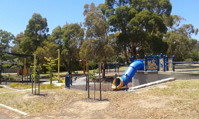 chapman playground, best parks in weston creek, weston creek, playgrounds, parks, toddlers, chapman neighbourhood oval, slides, canberra, ACT,