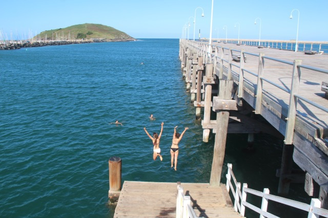 how to get a think or swim platform in australia
