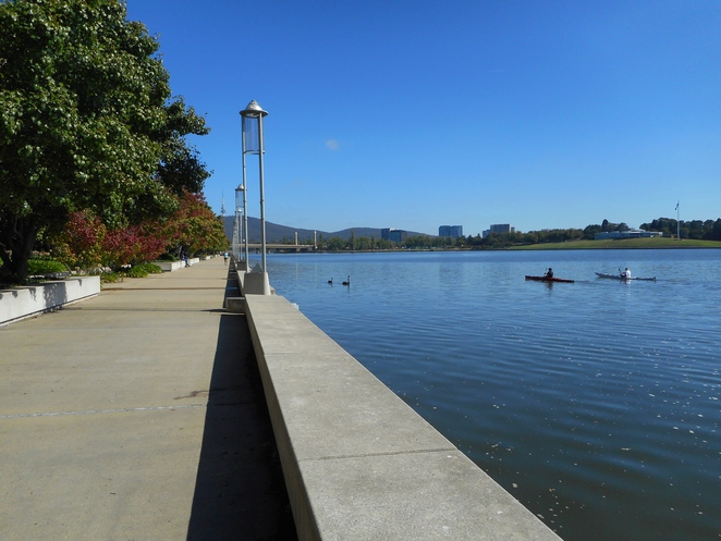 lake burley griffin, canberra, things to do, australia, rowing, kayaking,