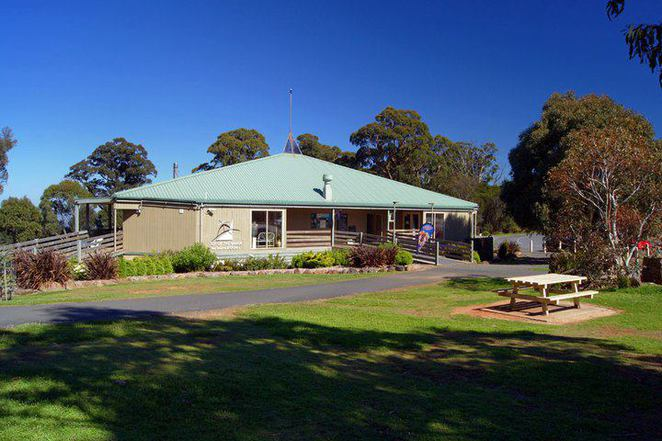 macedon,melbourne,tearoom,kenneth, top of the range