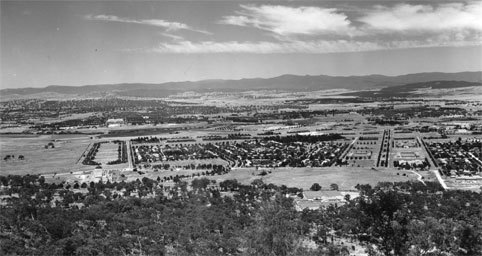 mount ainslie, canberra, history, canberra tracks, track 2, limestone track, limestone plains, ACT, self drives,