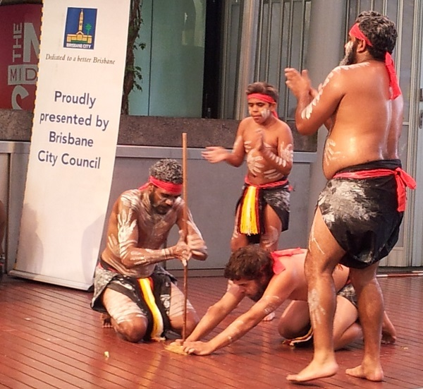 nunukul , nunukul yuggera, aboriginal dancers, indigenous, May Cross