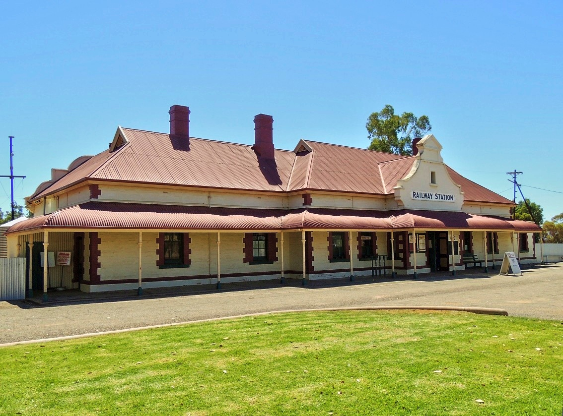 Railway stations in the mid north of south australia for Railroad stations for sale