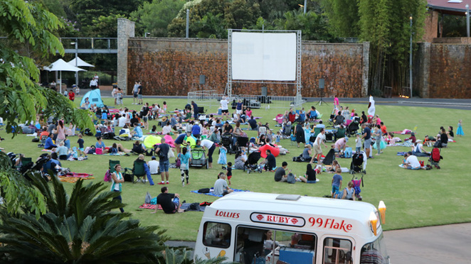 Roma Street Outdoor Cinema - Movies in the Park October 2017