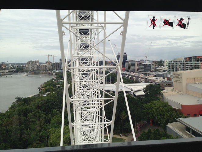 Wheel of Brisbane, Brisbane fun, tourist fun in Brisbane, fun things to do in Brisbane, South bank brisbane, family activities in brisbane,