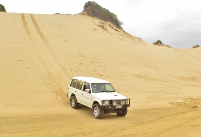 4x4 4wd pajero beach driving