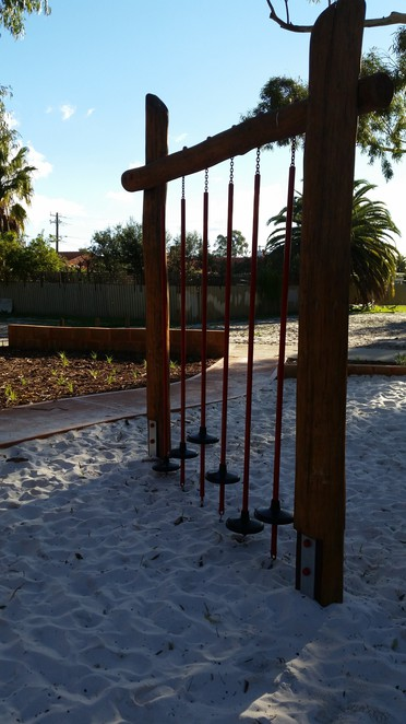 bannister creek, playground, nature, natural, monkey bars, flying fox, parkwood, swing, net climb