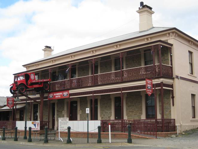 Blumberg Hotel, Birdwood - 'The most photographed Pub in the Adelaide Hills'
