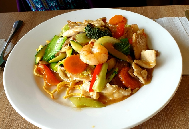 Chinese, lunch, cheap, specials, family, club, bistro, restaurant, chow mein