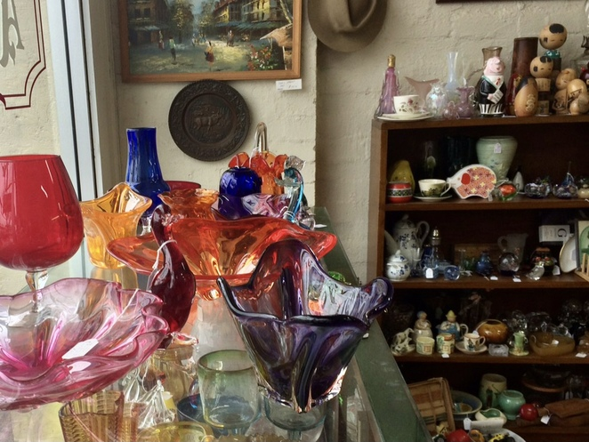 Cootamundra Antique Shops, Cootamundra op shops, where to shop for antiques and vintage near canberra, canberra day trips, what to do in Cootamundra, small towns near canberra
