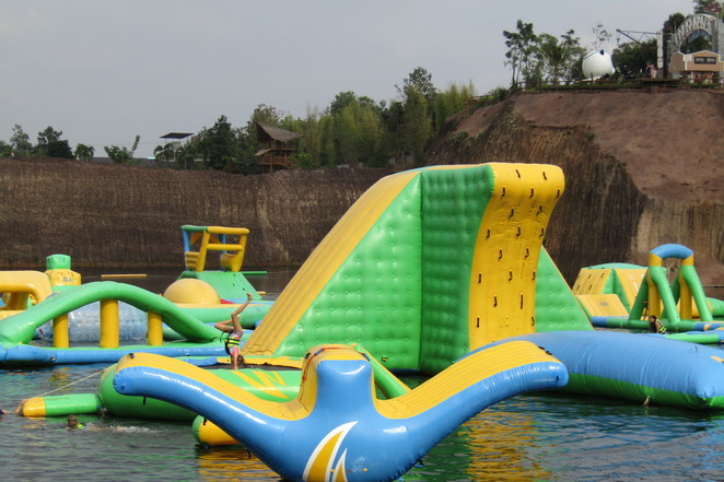 Grand Canyon, Chiang Mai, Children, Water park, ziplines, swimming, Thailand, families,