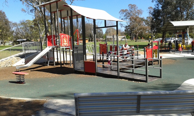 kambah adventure park, kambah, best playgrounds, canberra, ACT, tuggeranong, weston creek, BBQs, picnic spots,