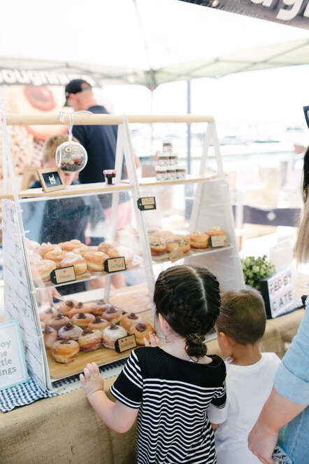 mindarie festival 2019, community event, fun things to do, the marina mindarie, the boat, indian ocean brewing co, ritroo, city of wanneroo, the pavilion mindarie, cabana pool bar & bbq, free event, market stalls, entertainment, activities, family fun, artisan goods, street food stalls, rovering performers, free kids activities, kids carnival rides, live bands, djs, chris murphy, darren reid & soul city