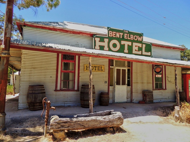 tailem town, ghost adventures, history of south australia, ghost tours, old tailem town, holiday in sa, about south australia, tourism, tailem bend, country hotel