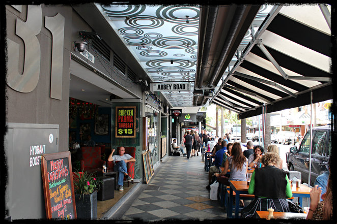 abbey road cafe, abbey road, st kilda, acland street, restaurant, pub, cafe, karaoke, live music, gastropub