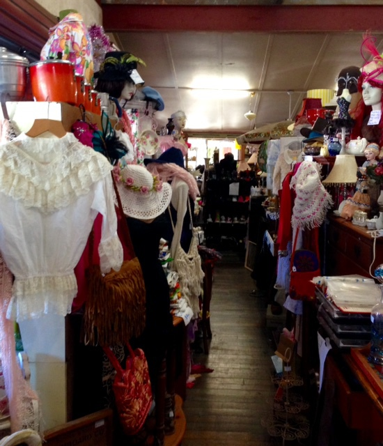 Antique & Vintage At Uki, preloved fashion, hats shoes, bags, secondhand, Uki, Buttery Bazaar Markets, china, undergarments, clothing, fascinators, lamps, vintage household items,