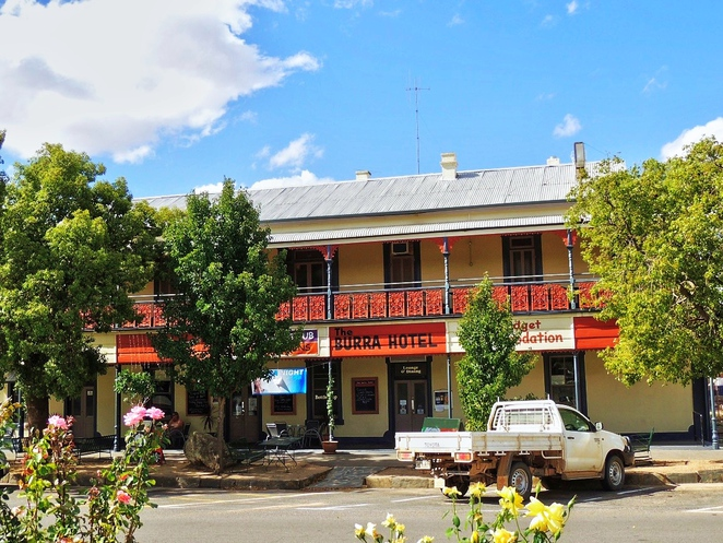 australian morgues and mortuaries, morgues and mortuaries, ghost stories, ghost tours, paranormal investigation, in adelaide, glenside hospital, casualty hospital, city morgue, burra hotel
