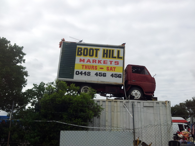 boot hill markets, entry sign