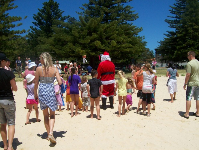 Christmas lights, Christmas displays, Santa photos, Christmas carols, Northern Beaches
