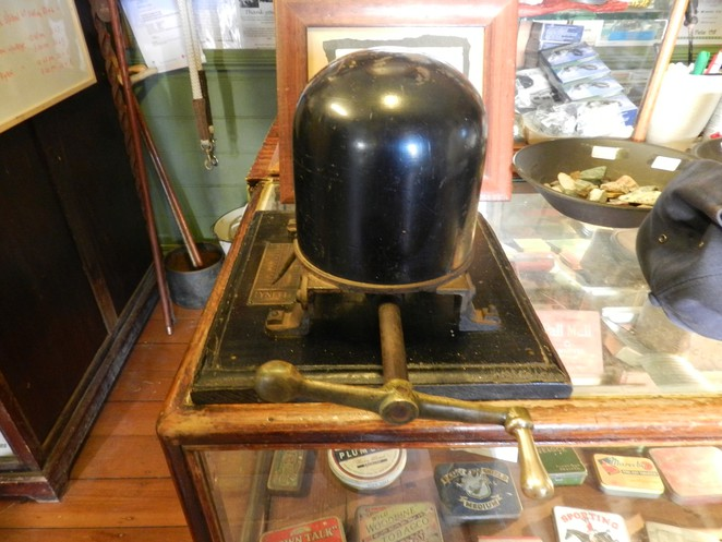 hat stretcher, miners cottage, museum, charters towers, historic curios, queensland tourist attractions, things to do in charters towers, minrs cottage museum,