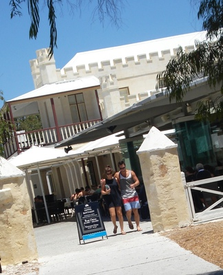 hotel rottnest bistro, quokka arms bistro, places to eat on rottnest island, hotel rottnest restaurant, best restaurants on rottnest island