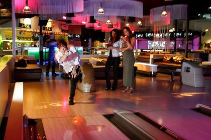 Kingpin Bowling Darling Harbour Sydney By Todd Newton