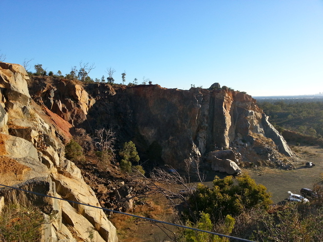 Stathams, Quarry, Rock, Stone, Mine, Abseiling, Climbing, Outdoor, Perth, Hills, Kalamunda, Zig Zag